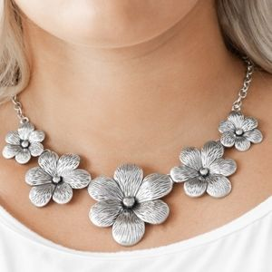 """Secret Garden"" - Silver Flower Necklace Set"